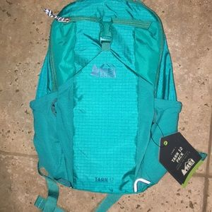 REI Tarn 12 Kids Age 5-8 Day Pack